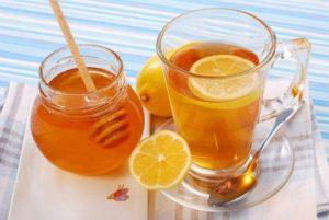 К целебной медовой воде можно добавить лимон